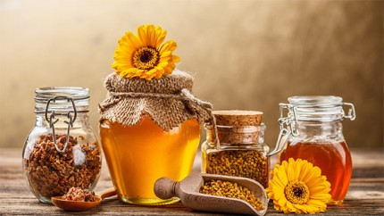 сосуды с продуктами пчеловодства